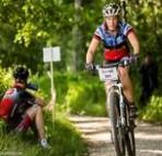 kvinlig cyklist